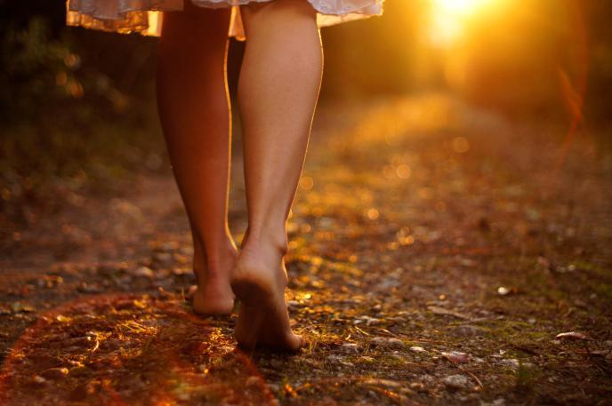 barefoot-walking-credit-gerneinde-celerina.jpg